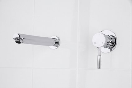 Pam Shower Bath Mixer with Corsica Outlet