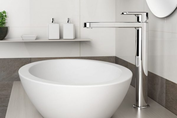 Linsol valentino 547x366 lifestlye tall basin mixer VAL-05 LIFE