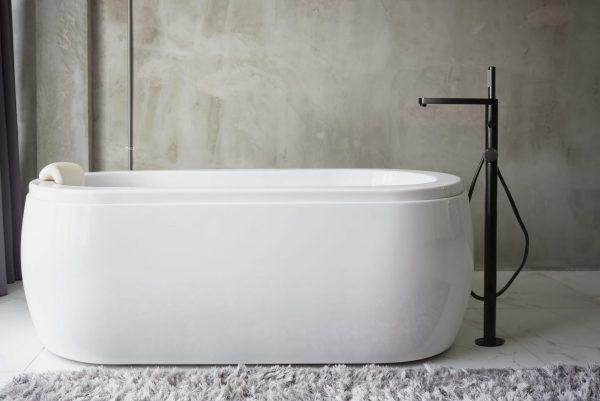 Linsol Emily Matte Black Freestanding Bath Filler EMI-MB-01 LIfestyle Image 547 x 366