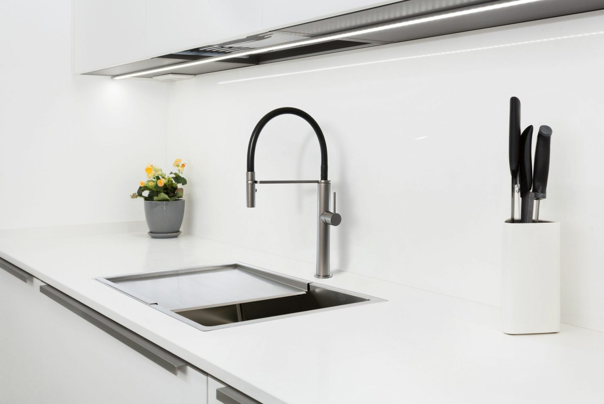 Luca Pull Out Kitchen Mixer Grey Wolf