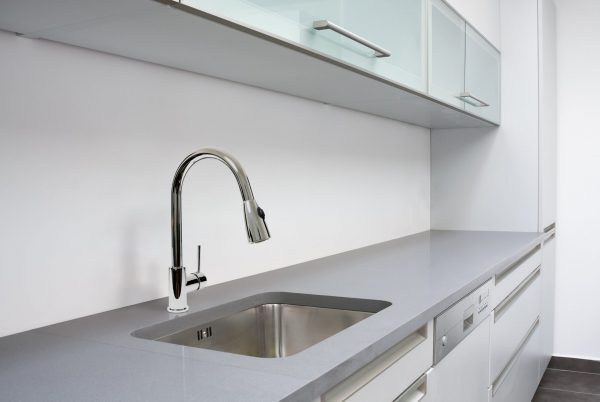 Linsol Becca Chrome Sink Mixer BEC-CH-PO-02 LIfestyle 547x366